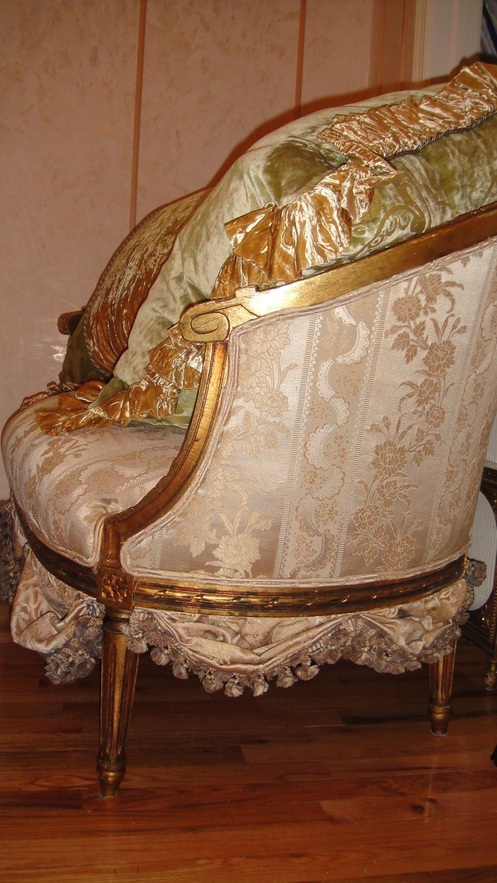 french antique settee sofa loveseat circa 1800 39 s scallops french fabric must se ebay. Black Bedroom Furniture Sets. Home Design Ideas